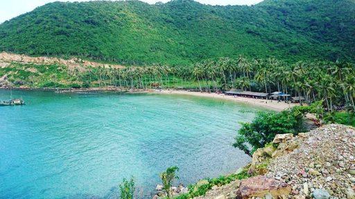Bãi Cây Mến xanh trong đẹp tựa bức tranh thủy mặc hữu tình